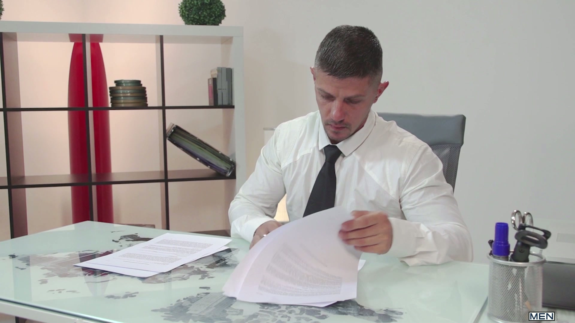 Watch Tied – The Gay Office – Goran – Damien Crosse (MEN.COM) Gay Porn Tube Videos Gifs And Free XXX HD Sex Movies Photos Online