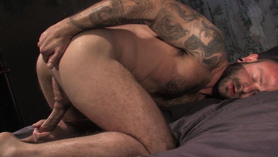 Watch HD muscle gay videos