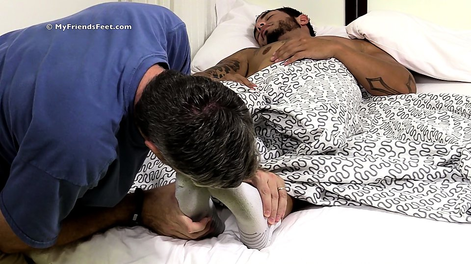 Watch Tattooed Stud Rj Foot Worshiped In His Sleep – Mff0574_Rjworship (My Friends Feet) Gay Porn Tube Videos Gifs And Free XXX HD Sex Movies Photos Online
