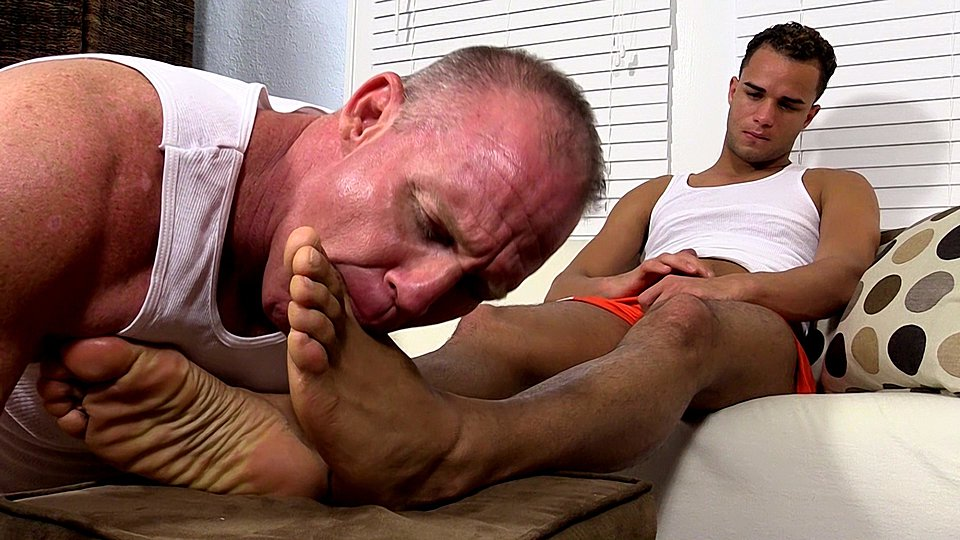 Watch Dark Skinned Hunk Javi Gets His Feet Worshiped – Javi (My Friends Feet) Gay Porn Tube Videos Gifs And Free XXX HD Sex Movies Photos Online